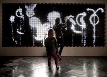 installation WATER LIGHT GRAFFITI de Antonin Fourneau